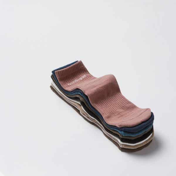 Nozzle-Quiz-Navy-Essential-casual-socks-Styling-1.jpg